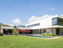 Villa Designferienhaus Villa mit XL Pool Kärnten Milstättersee Ski + See