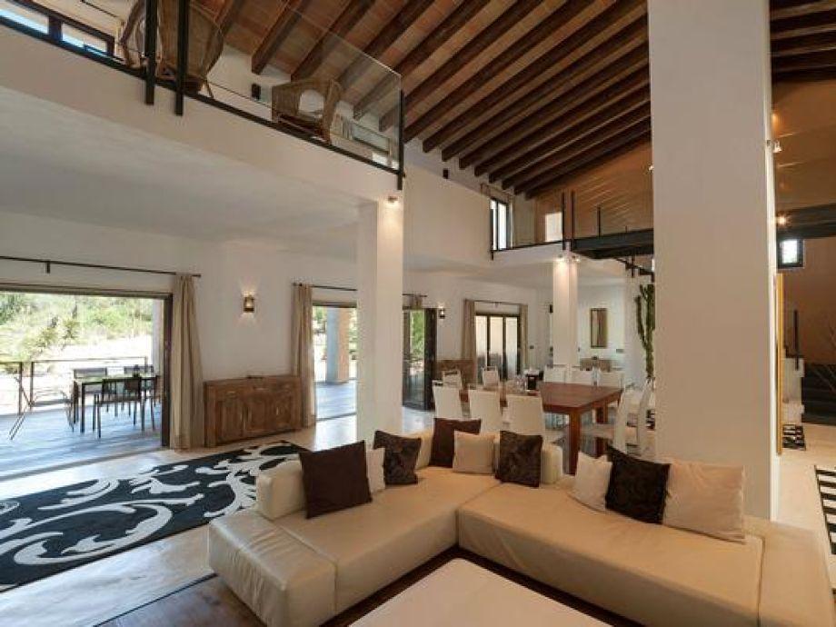 Exklusive Architektenvilla, Panoramalage, Design-Interieur ...