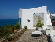"""Villa Architektenvilla """"Casa Nettuno"""" mit Meerwasser-Pool erbaut auf einer Klippe direkt am Meer"""