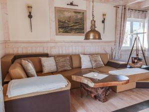 Ferienwohnung Luxus Penthousewohnung mit Wellnessbereich und Meerblick, nur 100 m zum Strand