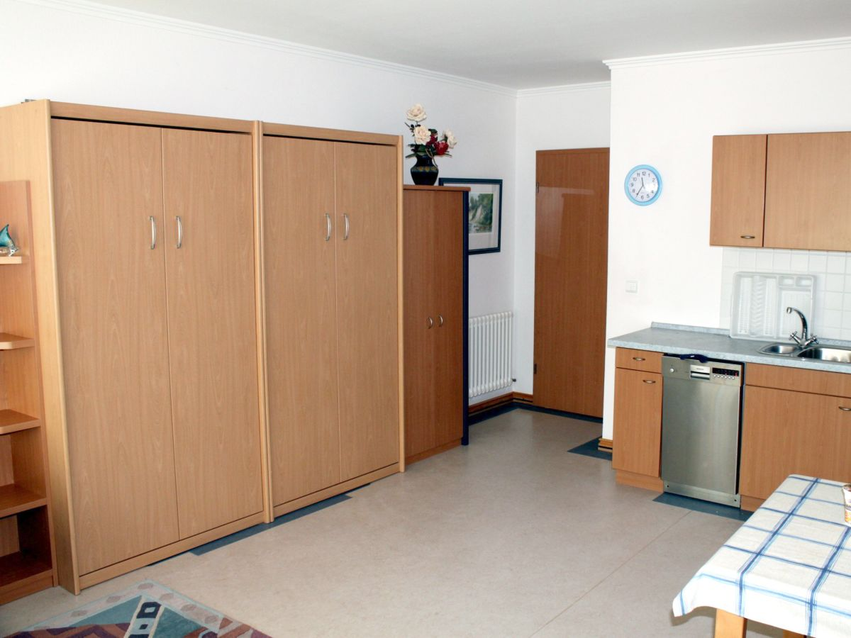 ferienwohnung d nenpark binz insel r gen christa und. Black Bedroom Furniture Sets. Home Design Ideas