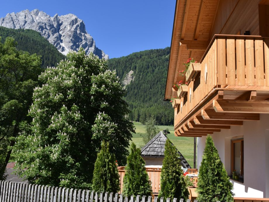 Balkon mit Hausberg Gsell