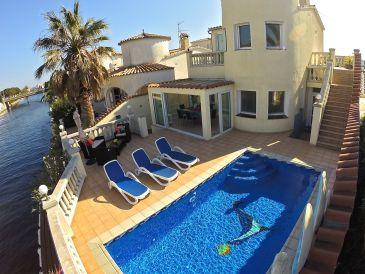 Villa Casa Lobo mit Pool und Bootsliegeplatz