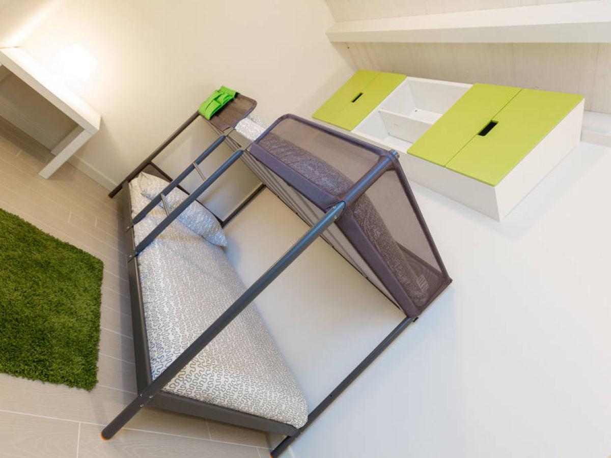 villa mit privat pool gardasee lombardei manerba del garda firma herr herr nunzio giangrasso. Black Bedroom Furniture Sets. Home Design Ideas