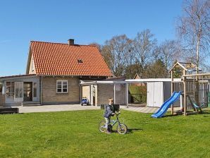Ferienwohnung Kettinge, Haus-Nr: 06205
