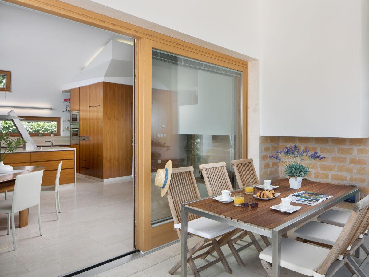 villa vidmar mit pool klimno firma adria villas d o o herr janu hunski. Black Bedroom Furniture Sets. Home Design Ideas