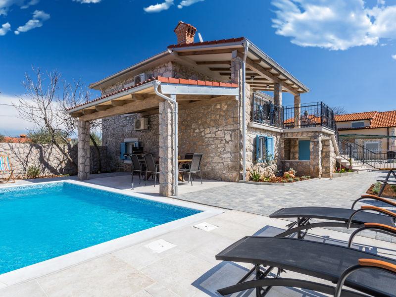 Ferienwohnung Rustikal mit privatem Pool