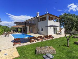 Luxury villa max 10 pers.