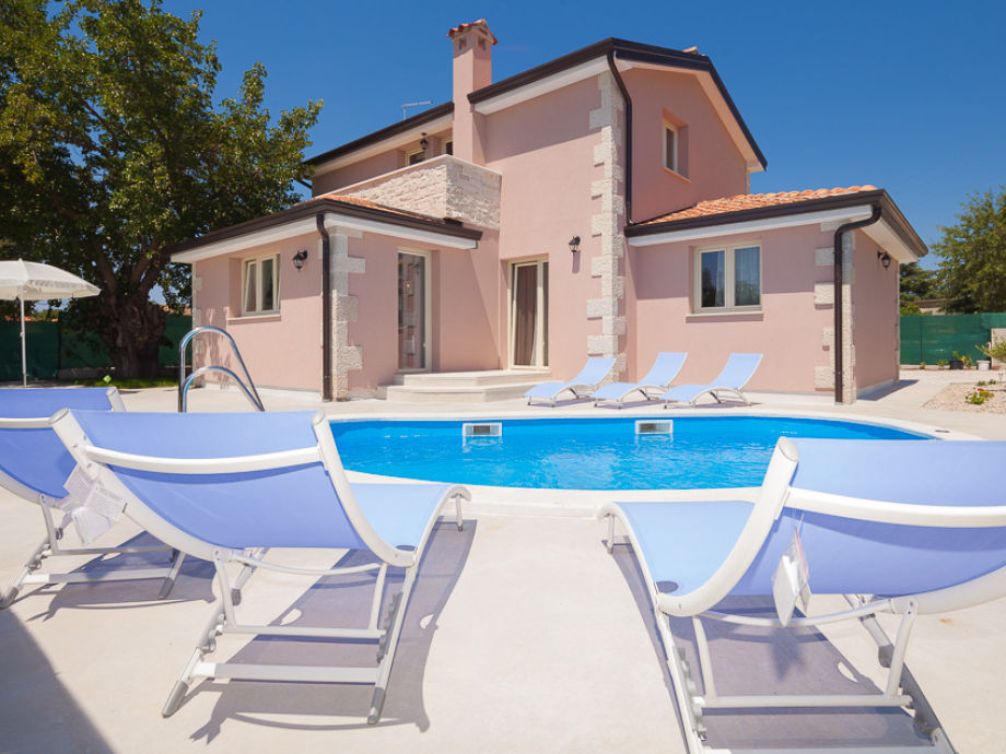 Villa in Porec garden and pool