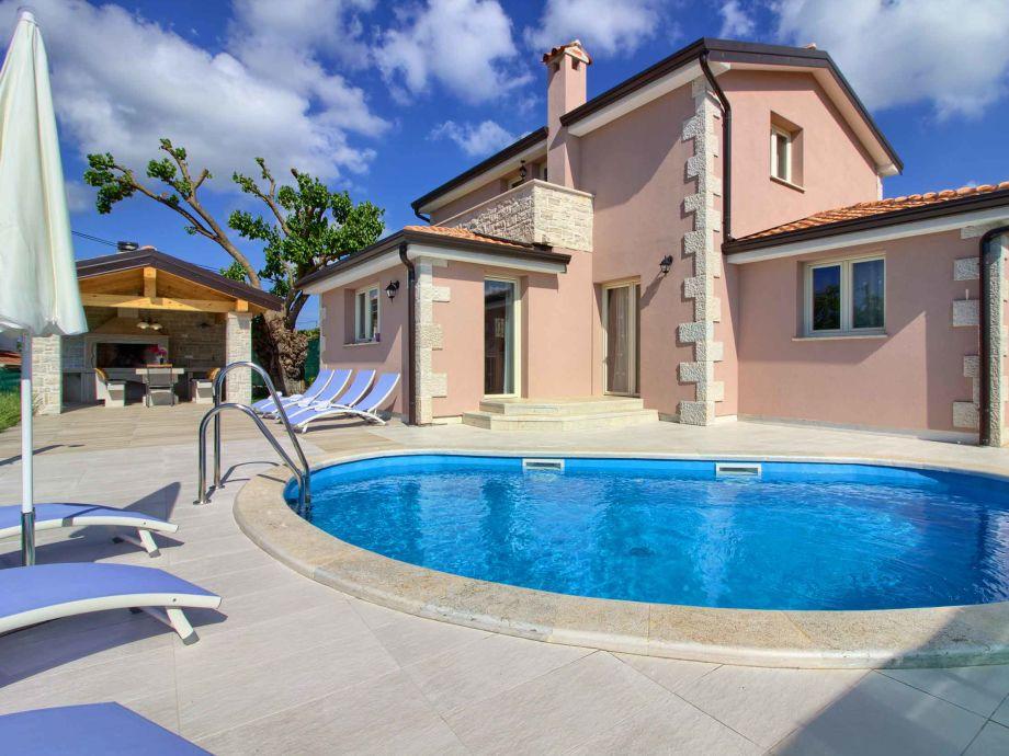 Villa with pool in Porec