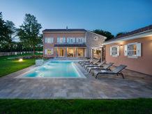 Villa Villa Green Frame