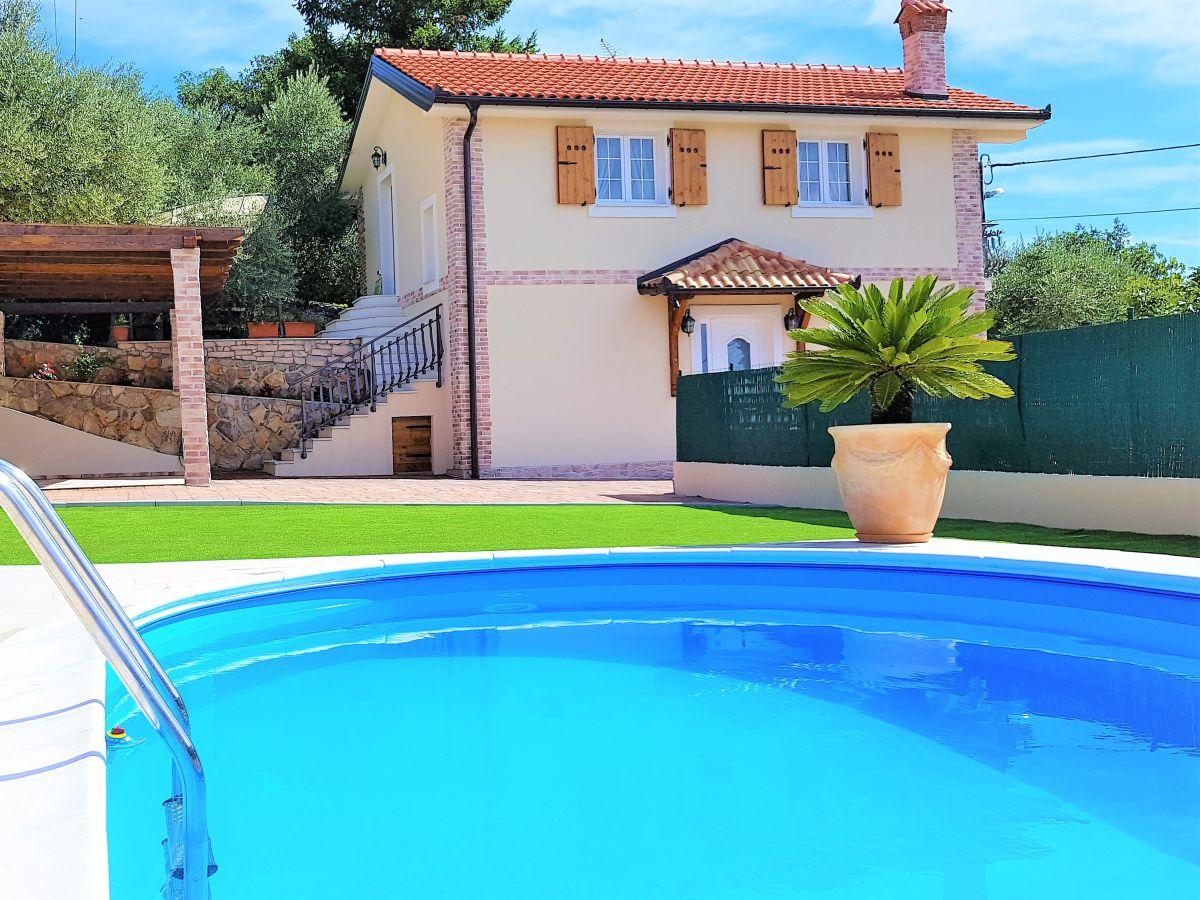 Villa rustica kvarner bucht firma istria villas d o o for Villas rusticas