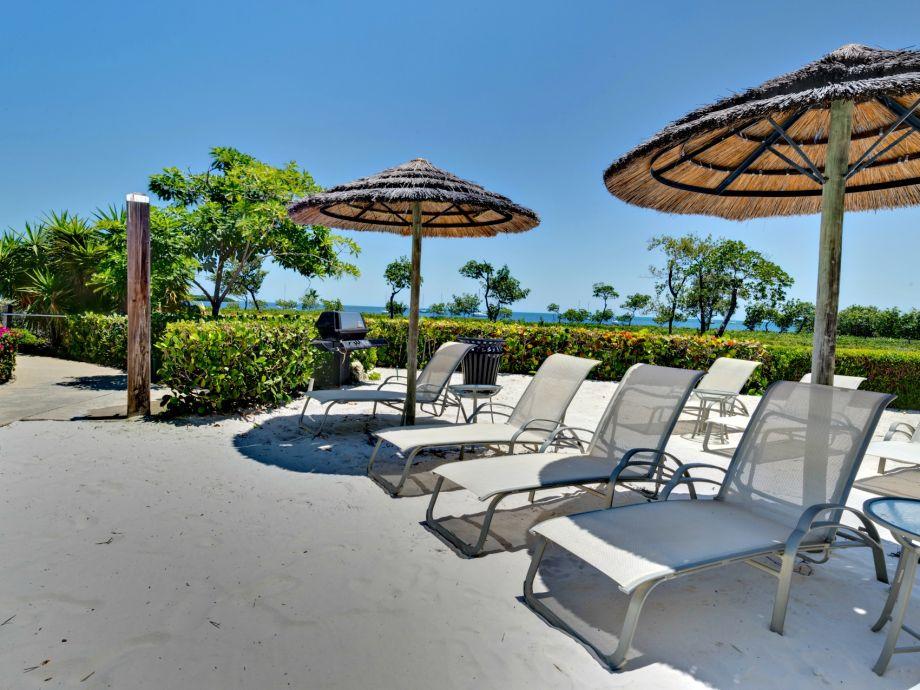 Sunning Lounge chairs