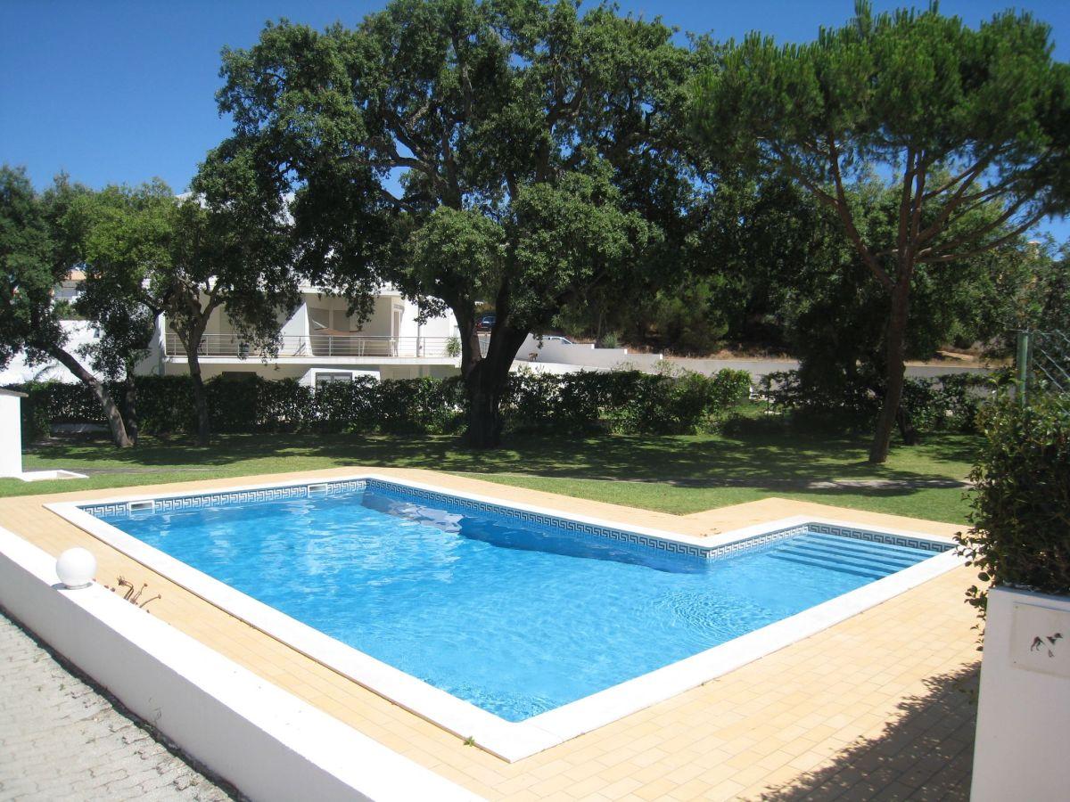 traum ferienhaus mare mit pool und 2 km vom strand. Black Bedroom Furniture Sets. Home Design Ideas