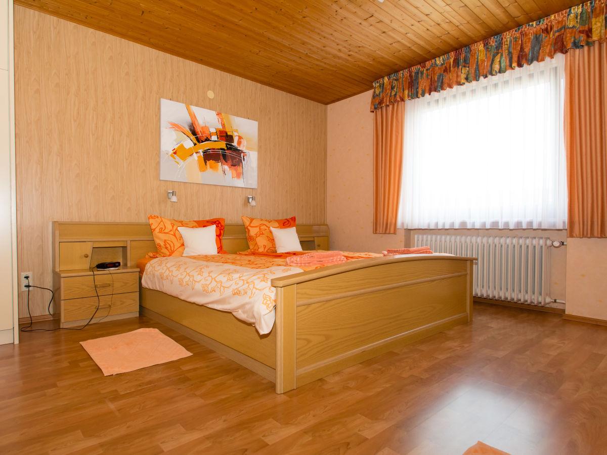 ferienwohnung pomerlan vulkaneifel eifel rheinland. Black Bedroom Furniture Sets. Home Design Ideas