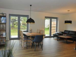 Ferienhaus Wreechen 14A - Haus Sanddorn