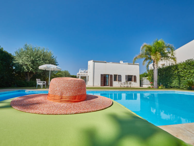 Villa Flora mit Pool und Meerblick