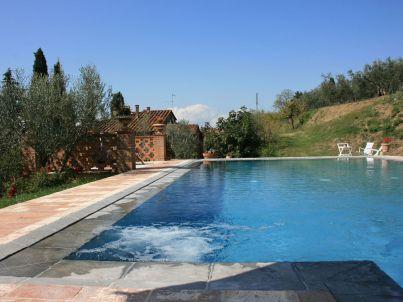 mit privaten Pool, Tennisplatz, kostenlosen Wifi