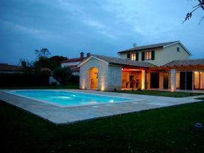 Villa Anita mit Pool