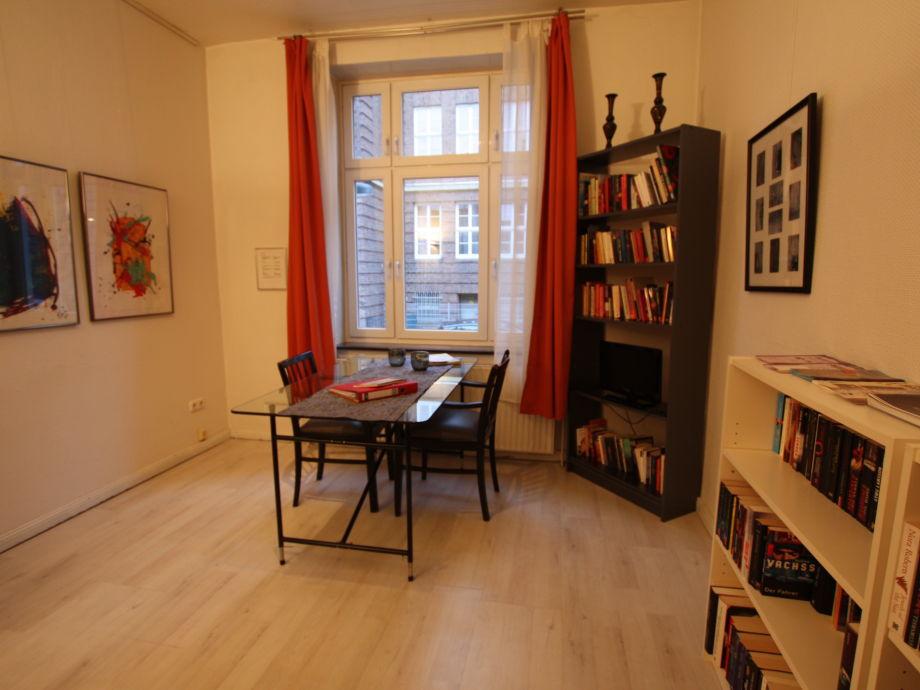 ferienwohnungen der kunstsalon bremen frau petra heitk tter. Black Bedroom Furniture Sets. Home Design Ideas