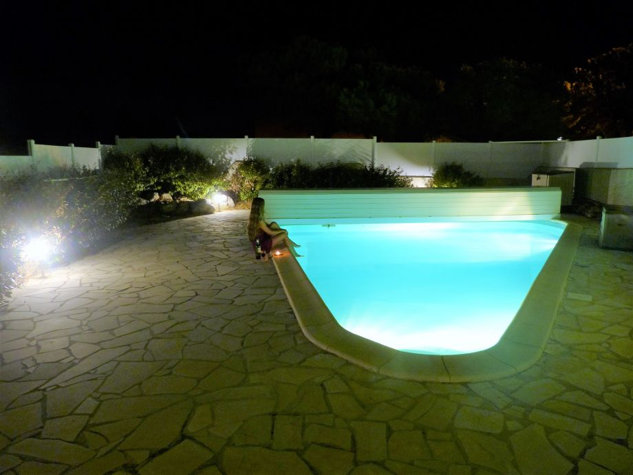 "The pool ""by night"""