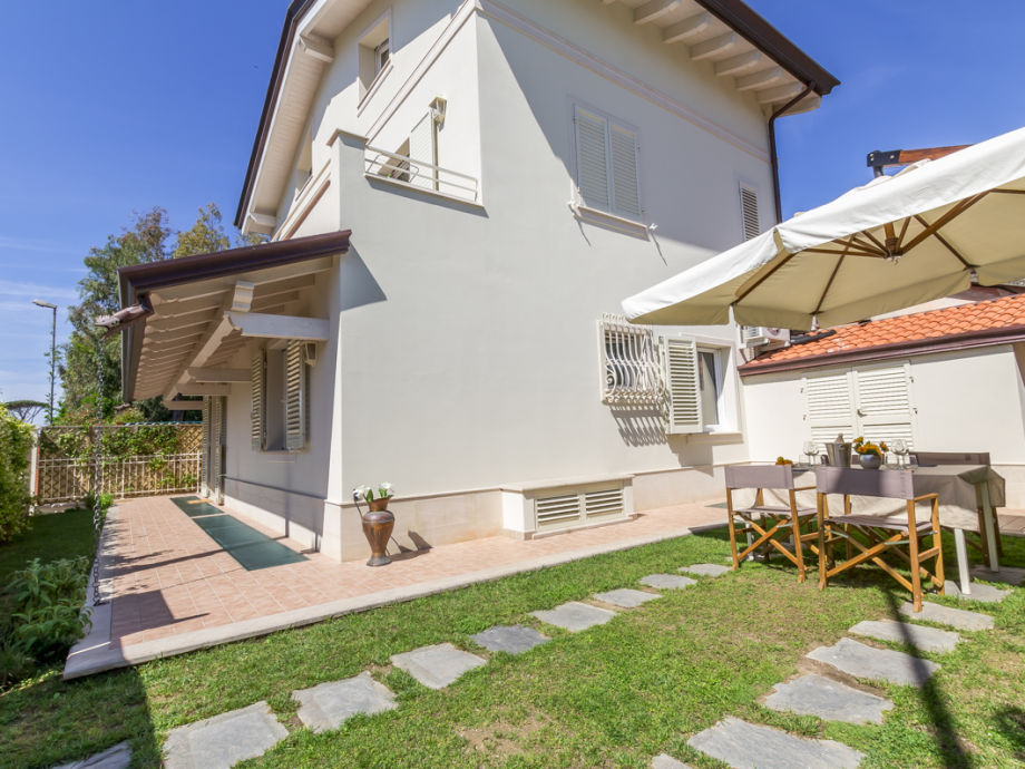 Villa Silvia ground floor apartment with private garden