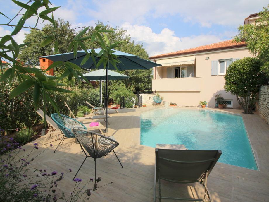 Außenaufnahme Lidija with pool