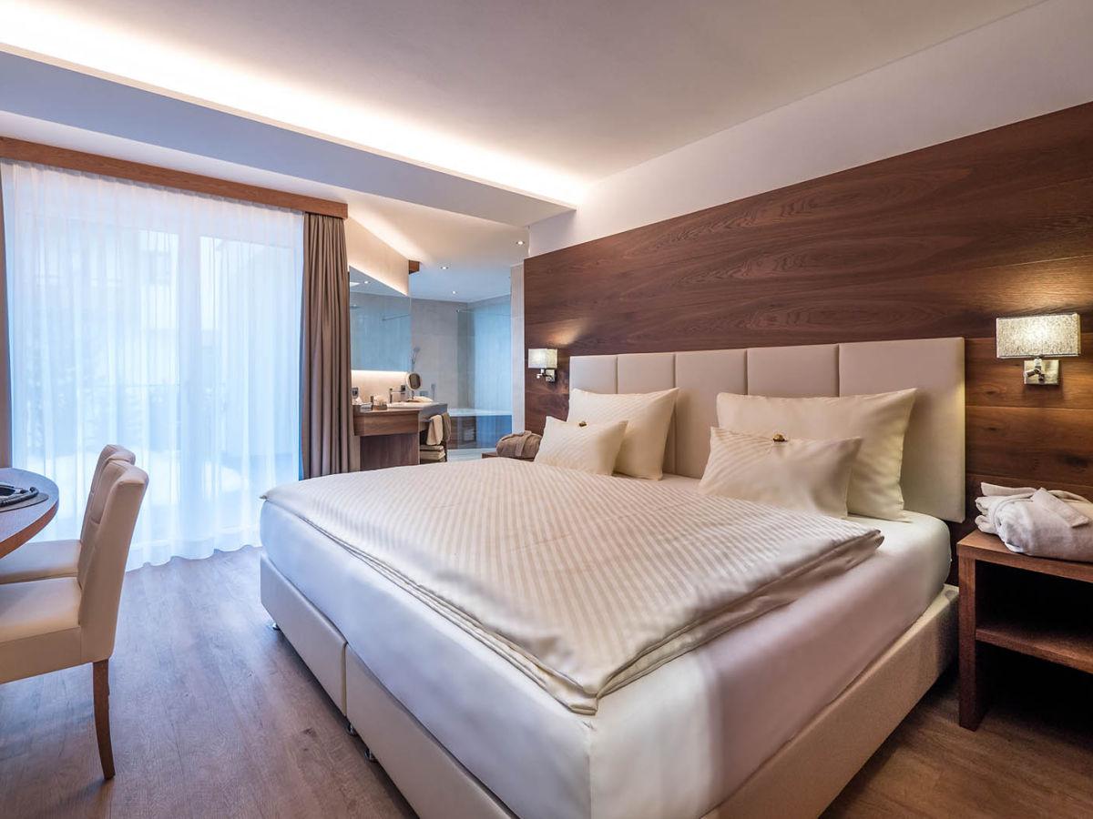 ferienwohnung arya alpine lodge wolkenstein in gr den firma tibiweb kg des insam bruno. Black Bedroom Furniture Sets. Home Design Ideas