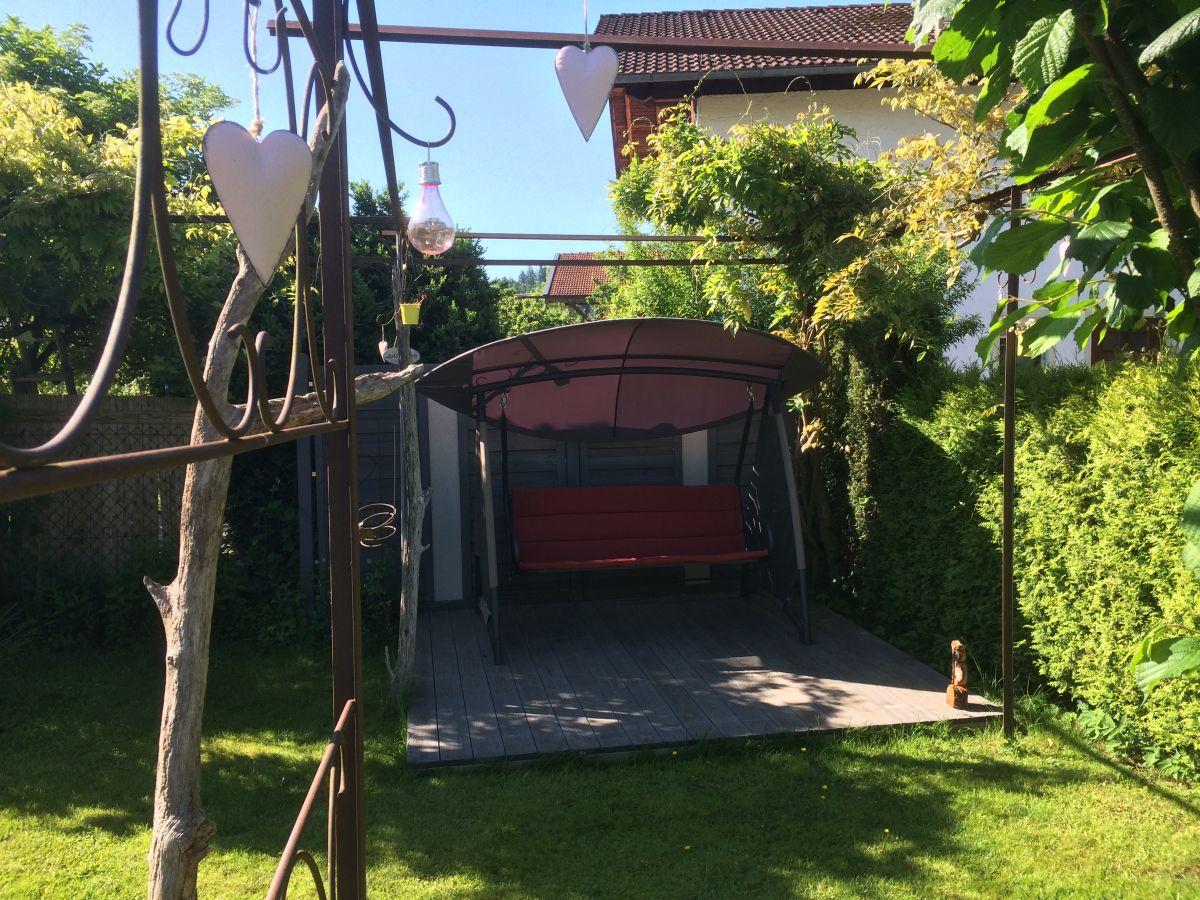 bungalow traumgarten chiemgau familie felder klucznick. Black Bedroom Furniture Sets. Home Design Ideas