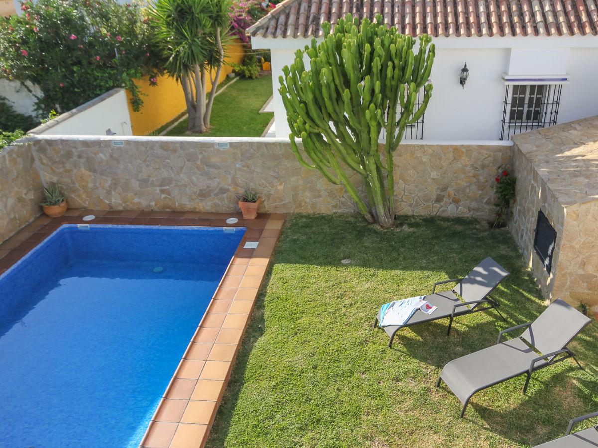 Villa el atardecer conil de la frontera firma casa for Garten pool wanne