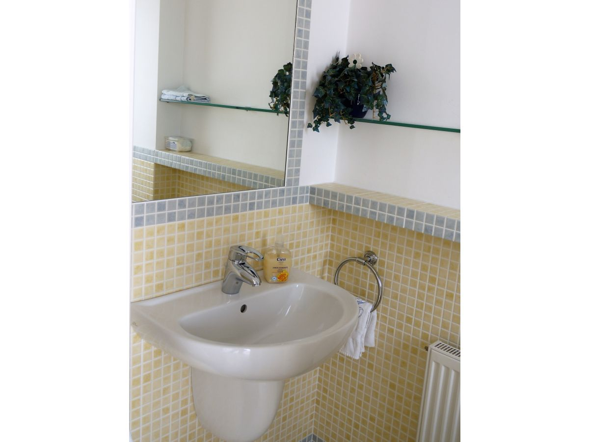 ferienhaus casa mediterran roses mas fumats firma dp servicios inmobiliarios frau. Black Bedroom Furniture Sets. Home Design Ideas