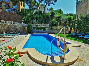 Ferienhaus mit Pool - ID 2711