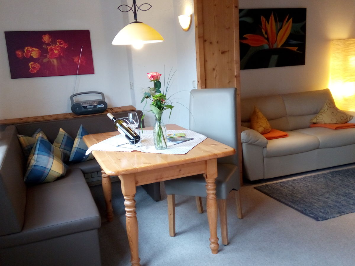 ferienwohnung kofelblick oberbayern oberammergau firma ferienwohnungen ariane frau heike. Black Bedroom Furniture Sets. Home Design Ideas