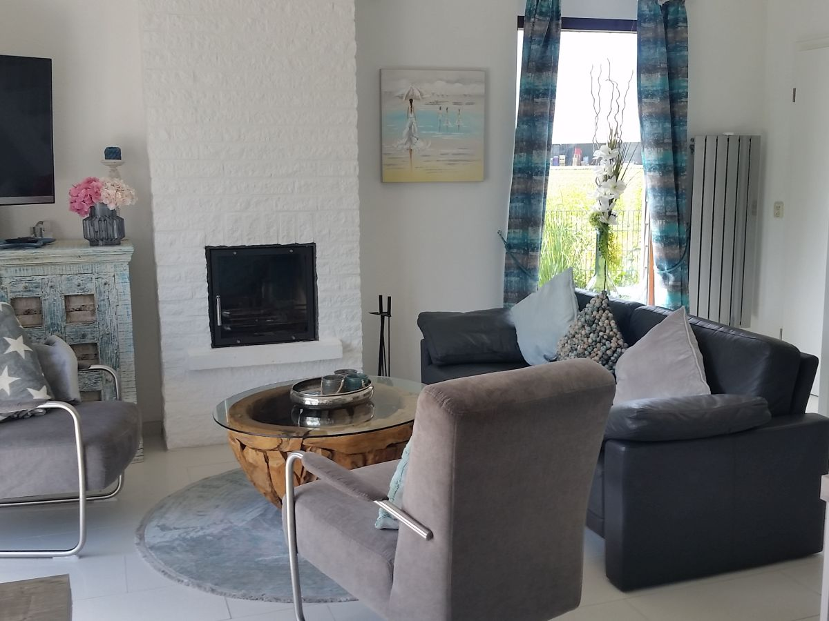 ferienhaus strandhaus juliana nord holland frau julia. Black Bedroom Furniture Sets. Home Design Ideas