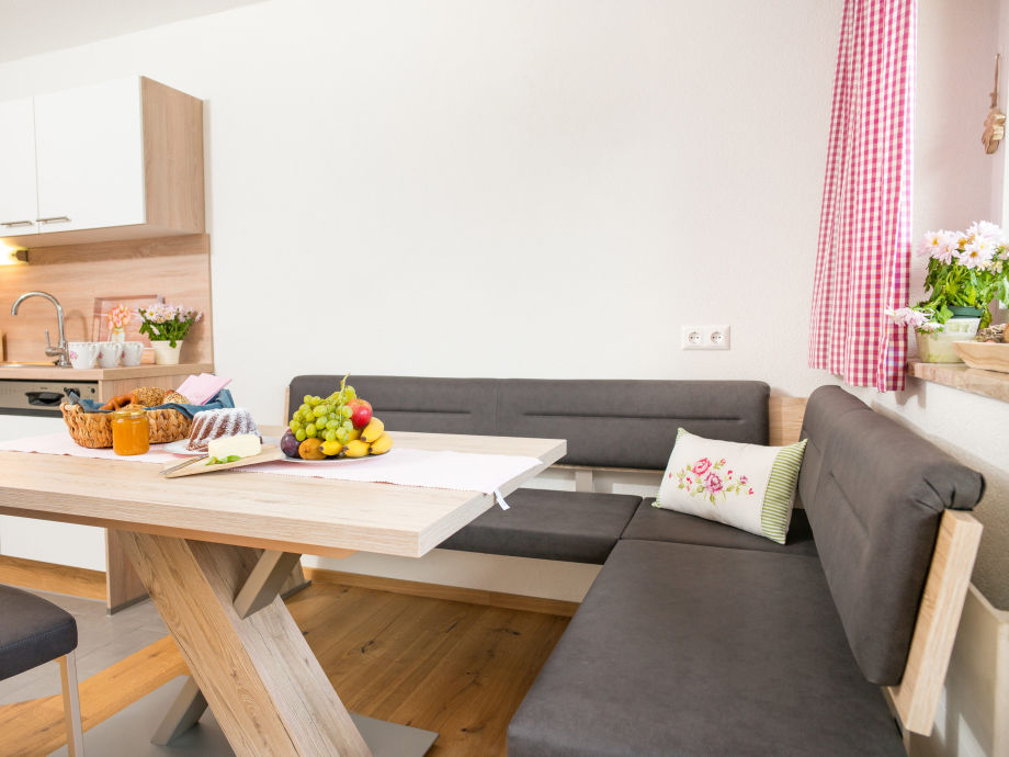 ferienwohnung almrausch dachstein tauern ramsau am dachstein frau maria schneider. Black Bedroom Furniture Sets. Home Design Ideas