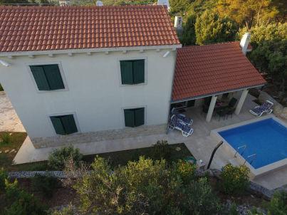 Neues Charmantes Ferienhaus mit Pool