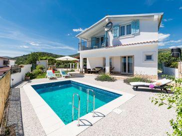 Kleines gemütliches Ferienhaus mit Pool