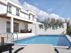 Ferienhaus Neu mit Pool und großartigem Blick
