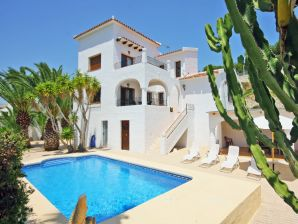 Villa Ibiza - A escasos metros de la playa
