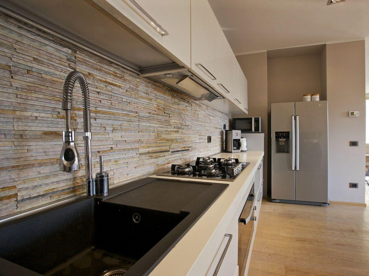 ferienwohnung appartamento toscanini lago maggiore. Black Bedroom Furniture Sets. Home Design Ideas