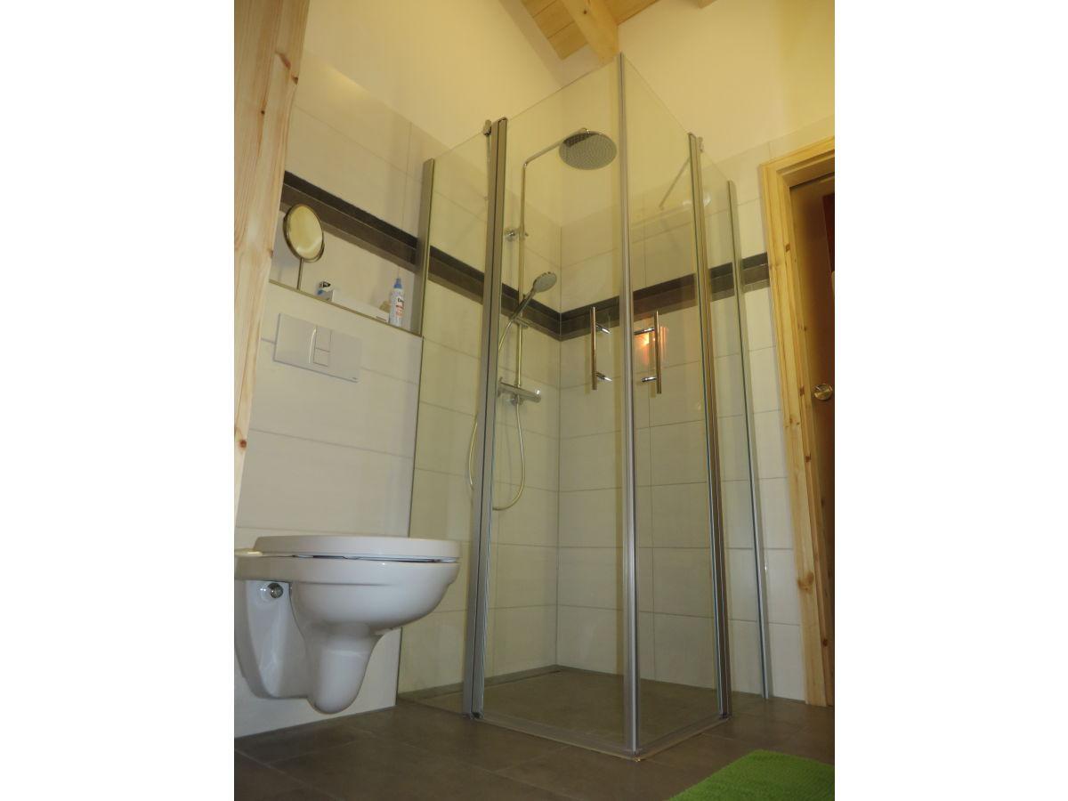 ferienhaus merlin rieden eifel firma eifel see ferienhausvermietung am waldsee. Black Bedroom Furniture Sets. Home Design Ideas
