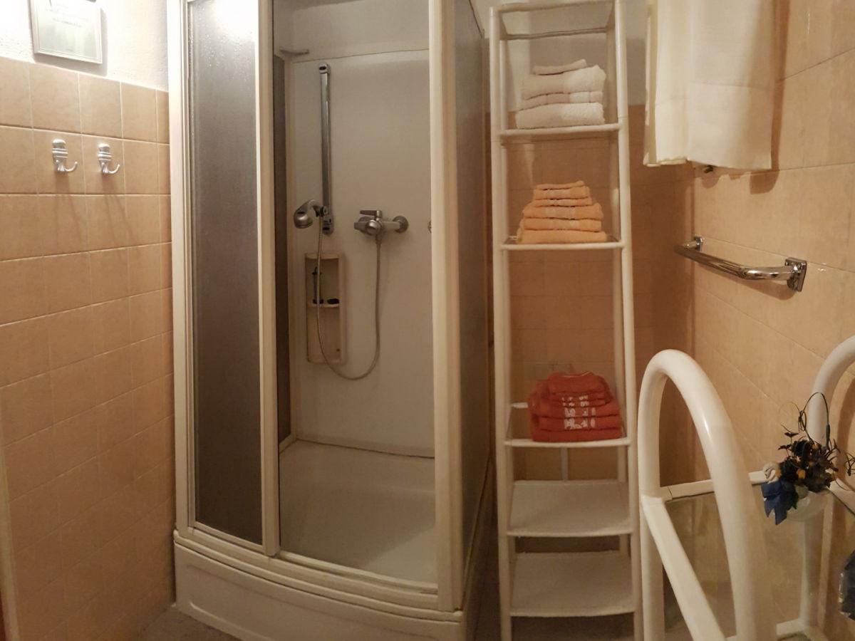 ferienwohnung rosendahl wohnung b feldkirchen in k rnten familie axel und ursula rosendahl. Black Bedroom Furniture Sets. Home Design Ideas
