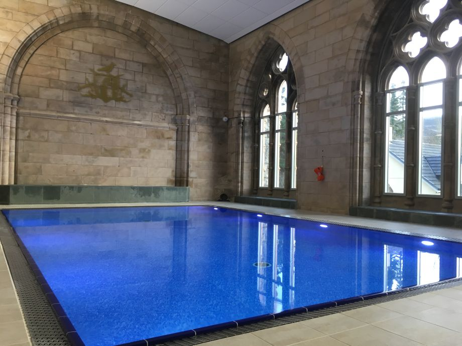 Holiday apartment abbey church 20 loch ness firma abbey aonach mor luxury holiday for Luxury holiday rentals ireland swimming pool
