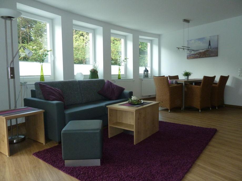 Wohnraum mit integrierter Küchenzeile