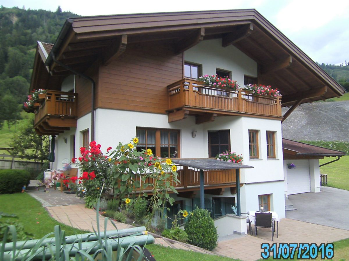 Holiday apartment haus hohe tauern zell am see kaprun for Apartment haus