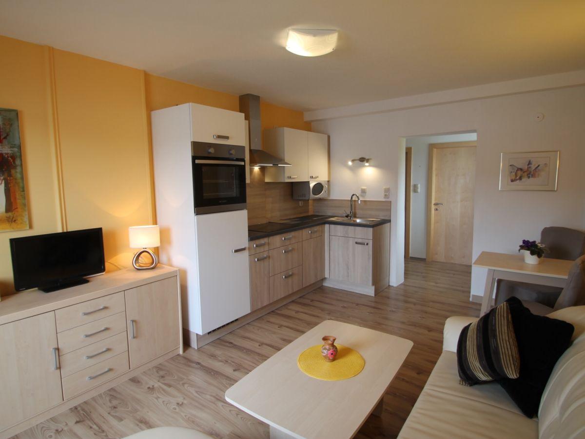 Nussdorfer Küchen ferienwohnung 205 mit balkon seeblick salzkammergut nußdorf am