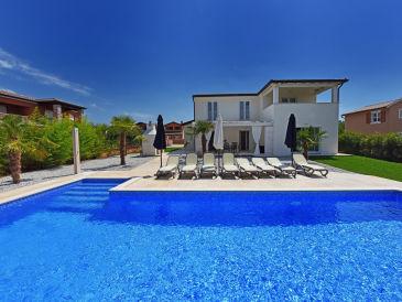 Villa Lavandula mit Swimmingpool