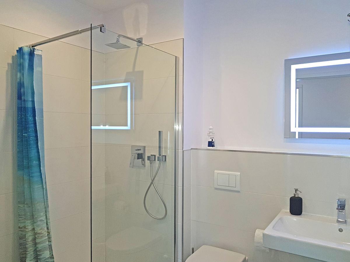 Ferienwohnung mein lieblingsplatz heiligenhafen firma for Badezimmer ebenerdige duschen