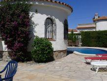Ferienhaus Poolvilla Fortuna mit Klimaanlage