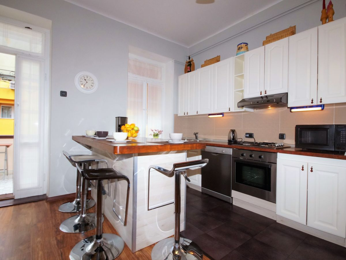 villa heyssler pula istrien familie branko rezic. Black Bedroom Furniture Sets. Home Design Ideas